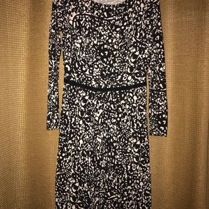 Boden dress size 4R in good used condition.